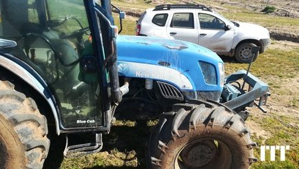 Tracteur agricole New Holland TNA 95 - 5